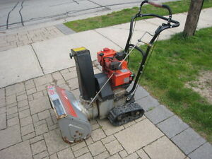 CRAFTSMAN 4/20 Snowblower - track driven - electric start