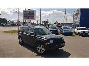 2010 JEEP PATRIOT NORTH EDITION / TOIT OUVRANT / MAGS / BAS KM !