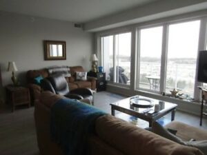 18-084 Comfortably furnished, short-term executive condo apt.