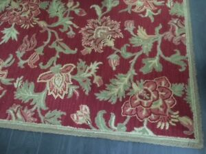 Lovely wool 8' by 10' Pottery Barn area carpet