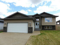 Beautiful Bi-level in Valleyview, Camrose