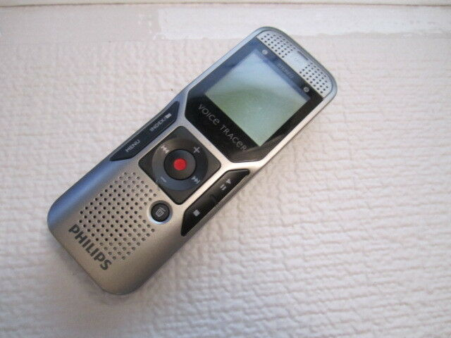 Philips Voice Tracer 1000 Digital Recorder 2GB//FOR PARTS NO WORKING. SOLD AS IS