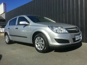 2007 Holden Astra AH MY07.5 CD Silver 4 Speed Automatic Hatchback Phillip Woden Valley Preview