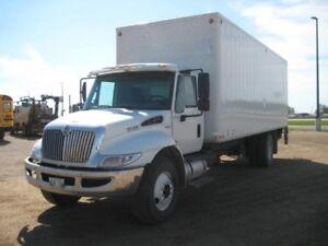 2012 International 4300 4x2, Used Dry Van