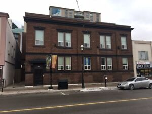 Barrie, Downtown 1 bedroom, with 17' Ceilings, Old Bell building