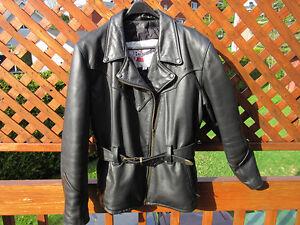 Manteau de cuir XL et gants de moto pour femmes