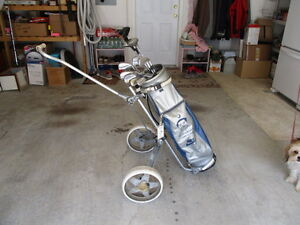Golf Cart, Golf Bag Tiger Williams, 14 Golf Clubs, plus lots of