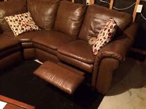 Lazy-Boy Leather Sectional couch Kitchener / Waterloo Kitchener Area image 3