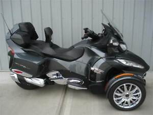 2017 Can-Am Spyder RT-S Limited SE6.