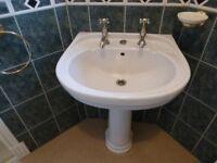 Bathroom suite 3 piece in light cream shade very good clean condition