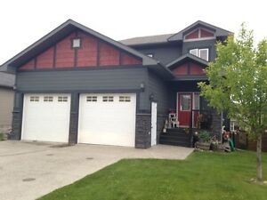 Home @ the golf course area in Hinton, AB!