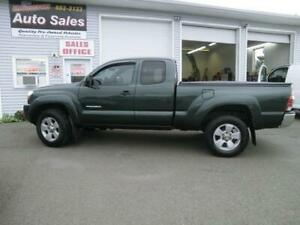 2009 Toyota Tacoma 4x4 EXTCAB like new 3 more available