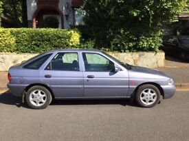 Ford Escort 1.8 GhiaX. Huge spec on this future classic.