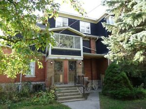 ONE-BEDROOM UNIT CLOSE TO QUEEN'S - 288-1 Union St