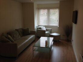 2 bedroom apartment available for lease situated at the beach and 7 min from town centre
