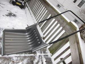 "Sleigh Snow Shovel 24"" Plastic w/ metal leading edge"