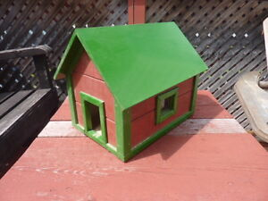 NEW Wood Bird House..........Timmins Delivery