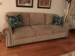 America's Leather Sofa with Queen Sleeper