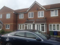 **DSS welcome with Guarantor*** Spacious 3 bedroom House in North Stifford, RM15.