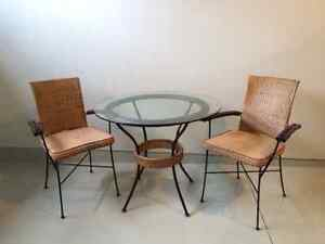 Accent chairs buy and sell furniture in london kijiji for Living room furniture kijiji london