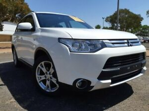 2014 Mitsubishi Outlander ZJ MY14.5 ES 2WD White 6 Speed Constant Variable Wagon Gepps Cross Port Adelaide Area Preview