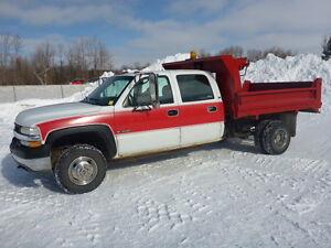 2001 Chevrolet  3500  4x4 DUMP TRUCK $7750 FIRM
