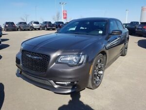 2017 Chrysler 300 S PANORAMIC SUNROOF $27888 Accident Free,  Nav