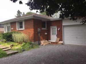 NEW&CLEAN LOWER FLOOR LARGE 2BR APARTMENT NEWMARKET SHARON 404