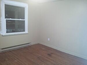 Two Bedroom Lease Takeover or Sublet, $725!