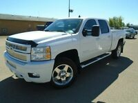 2014 Chevrolet Silverado 2500HD Diesel ~ Low kms ~ Sunroof ~ Blu