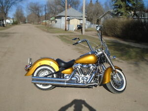 2001 YAMAHA ROAD STAR ,,NEW PAINT