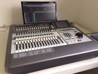 Roland VS2480 Digital Multitrack with 1 FX plugin card and screen