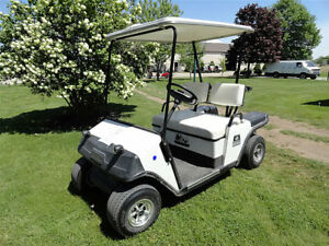 EZ-GO ELECTRIC GOLF CART WITH LIGHTS