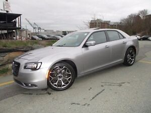 2016 Chrysler 300 300S (V6, NAVIGATION, ONLY 13000 KMS PANO ROOF