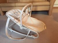 Baby bouncer (in a great condition)