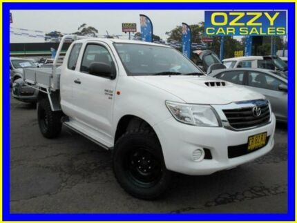 2014 Toyota Hilux KUN26R MY14 SR (4x4) Glacier White 5 Speed Manual X Cab Cab Chassis Penrith Penrith Area Preview