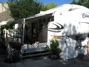 furnished 34 ft 5th wheel RV on the beach in Summerland