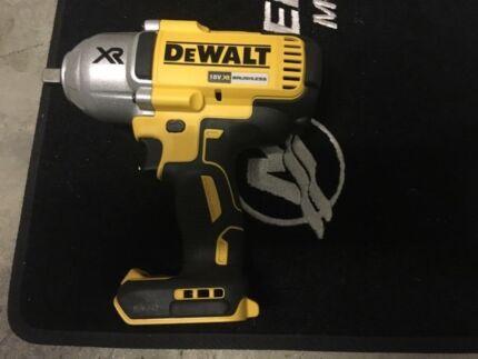 DEWALT 18v cordless brushless Impact wrench