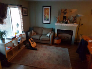2 Rooms for rent in Northwest Calgary - $475