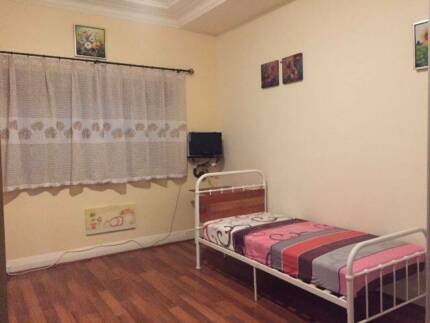 Spacious furnished studio for one person in Kingsford