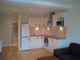 ONE BEDROOM GARDEN FLAT N12 MOST BILL INCLUDED, £325 P/W, SORRY NOT AGENT or DSS, minimum 6 months.