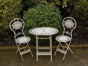 Patio table+chairs wanted!