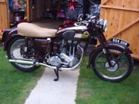 Ariel 350 Red Hunter Motorcycle With Only 1 Previous Owner - With V5 & Logbook - LOW LOW Mileage