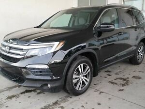 2016 Honda Pilot EXL, NAVI, LEATHER, SUNROOF, 4WD, 8 SEATS