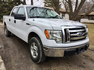 2011 FORD F150 XLT/ safetied/ private sale