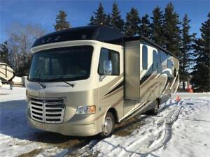 2015 THOR ACE 30.2 BUNK HOUSE MOTOR HOME