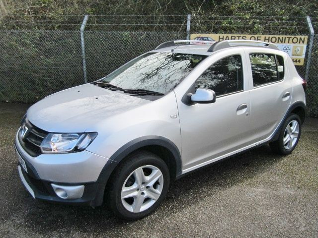 dacia sandero stepway 0 9 laureate tce 5dr mercury silver 2014 in honiton devon gumtree. Black Bedroom Furniture Sets. Home Design Ideas