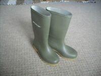 Kids Wellies – Dunlop, Size UK13/Euro 32