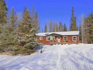 WOODLAND PARADISE IN PARKLAND COUNTY!