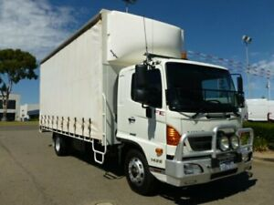 2015 Hino 500 White Curtain Sider Welshpool Canning Area Preview